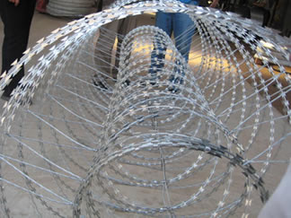 Concertina Wire Includes Single Crossed Double