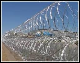 Mobile Razor Wire Security Barrier Rapid Deploy Concertina