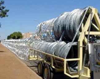 Mobile Razor Wire Security Barrier Rapid Deploy Concertina