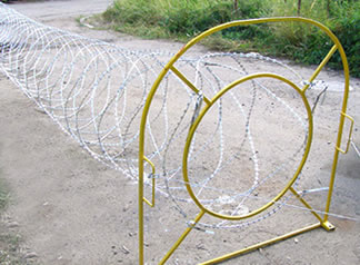 Mobile Razor Wire Security Barrier-Rapid Deploy Concertina Wires